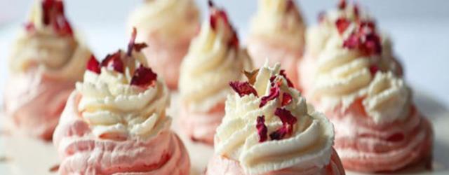 Rose Pavlova cakes